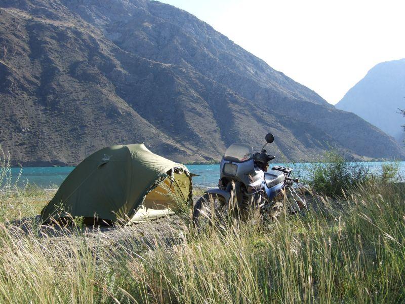 Zelten am Naryn