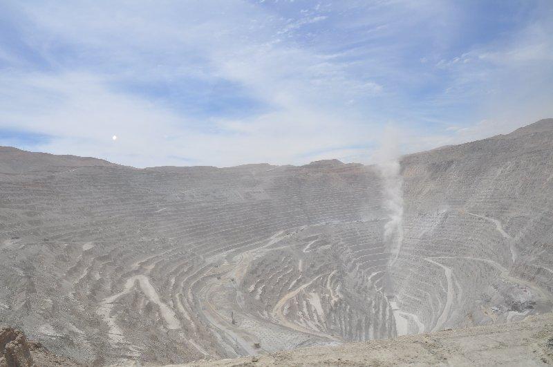 Kupfertagebau in Calama