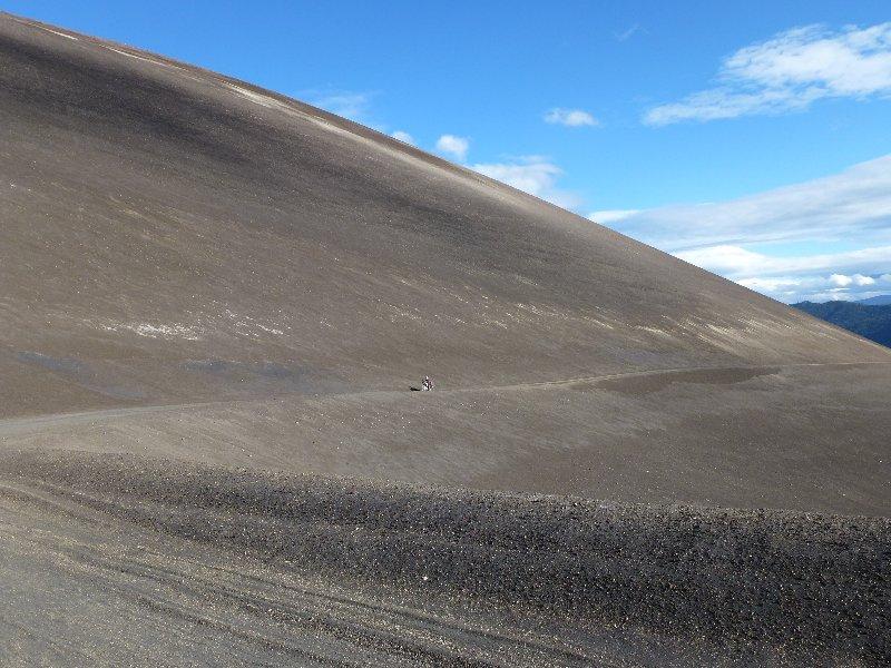 n ganzer Berg nur aus Vulkanasche