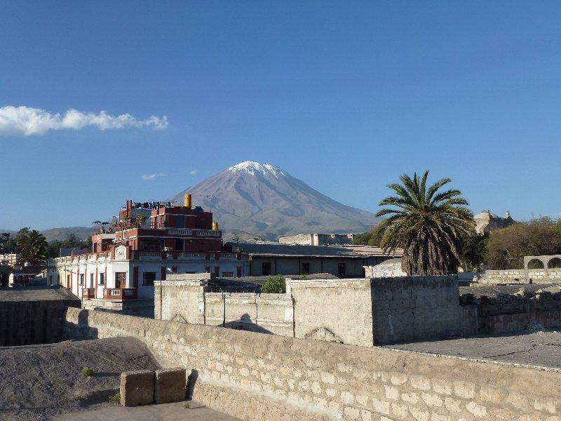Volkan de Misti über Arequipa