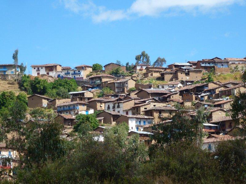 Gebirgsdorf in Peru